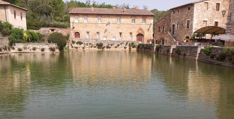 Le sorgenti termali libere in italia turismo e cucina - Bagno vignoni terme libere ...